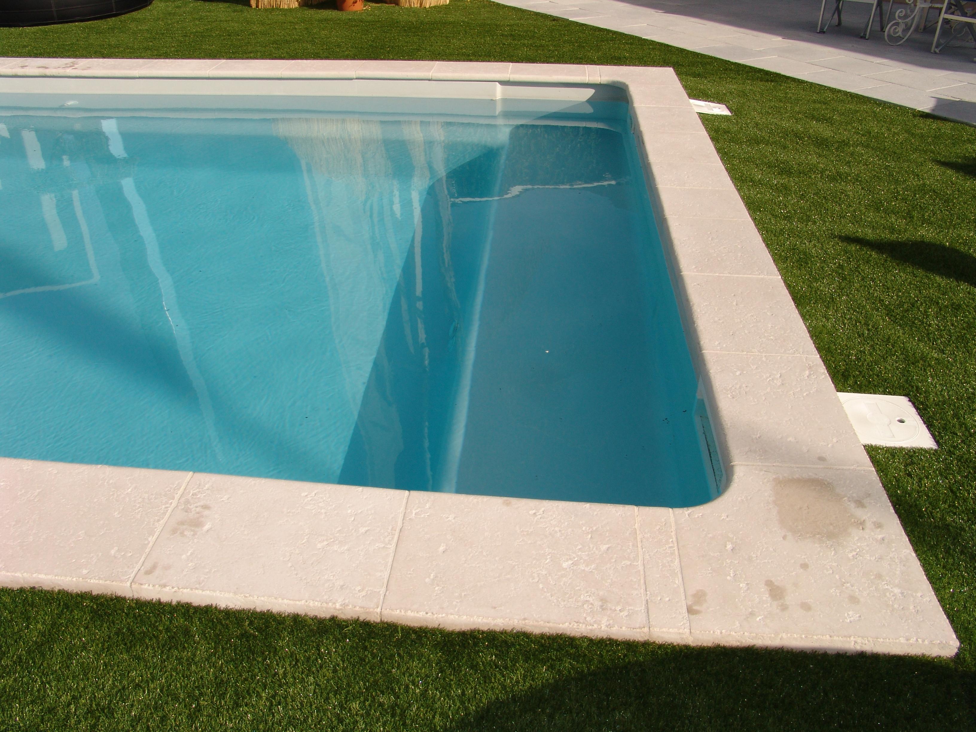 c lestine 6 piscine fond plat volet roulant ariane
